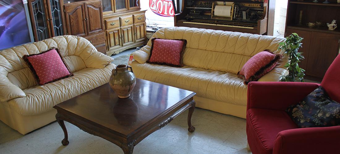 Delicieux St. Charles Furniture U0026 Thrift